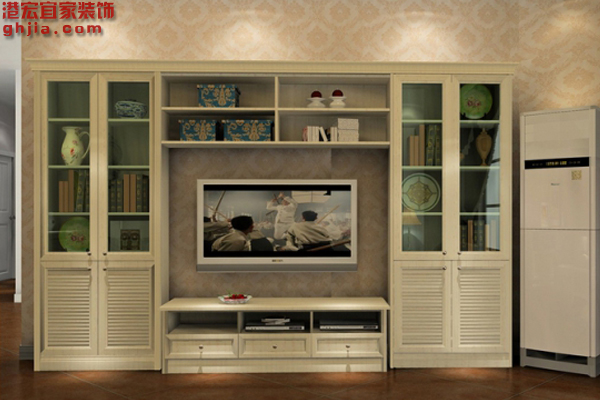 1、其实购买电视的时候是没有标准的尺寸的,具体是要按照自己家的客厅空间大小来购买符合自己客厅的标准尺寸,下面给到一个选购小技巧,一般购买电视柜的时候,电视柜的长度比电视机长三分之二就可以了。  客厅电视背景墙   2、既然客厅电视柜没有一个明确的标准,下面我给出几组各个国家的电视柜长度的数据给大家参考,欧美风格的电视柜高度一般大概都在60-75厘米左右,韩式田园电视柜一般高度在62厘米左右、欧式田园电视柜一般高度在438厘米左右、现代风格电视柜一般高度在465厘米左右、美式田园电视柜一般高度在67厘米